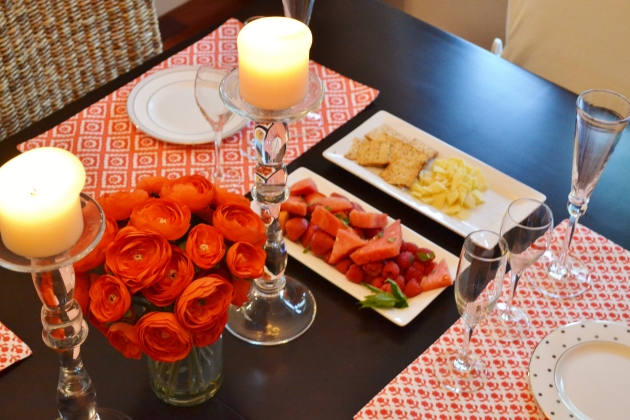 Red tablescape with champagne flutes